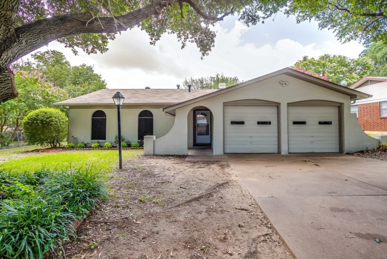 Featured Listing || 308 NE Amy